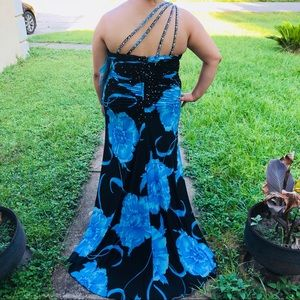 PAPRAZZI by Mori Lee blue and black prom gown